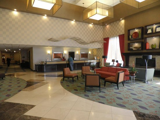 Doubletree by Hilton Hotel Denver Tech: Front lobby