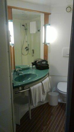 Ibis Valencia Alfafar: baño cabina