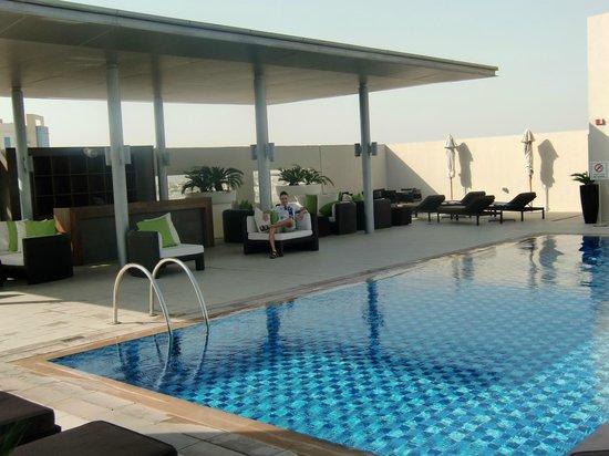 Centro Barsha: piscina