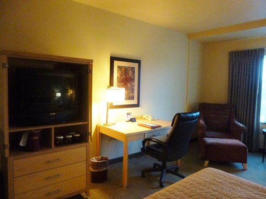 Westmark Fairbanks Hotel and Conference Center: well-appointed room