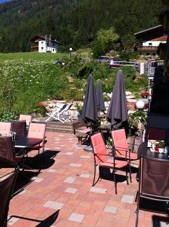 Gasthof Glocknerblick: heerlijk zonnig terras
