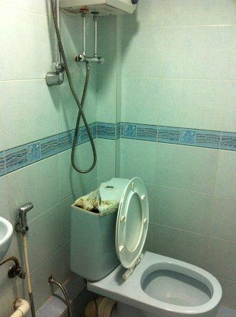 Times' Budget Hotel: la salle de bain