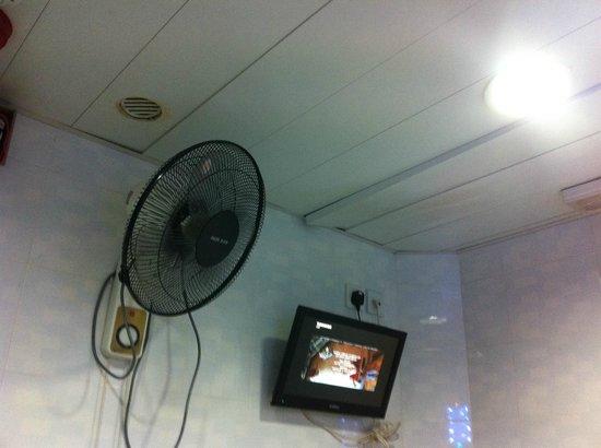 Times' Budget Hotel: les plafonds en piteux état