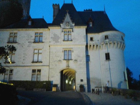 Chateau de Chissay : porte d entrée du chateau