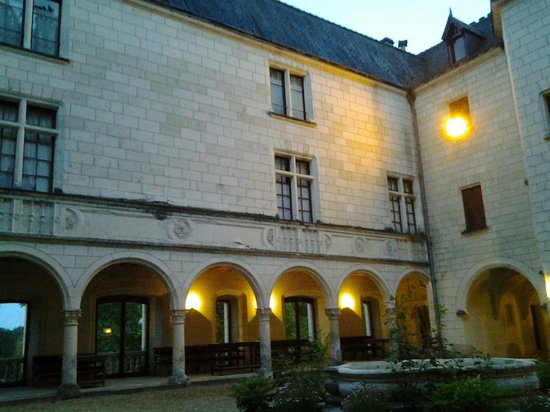 Chateau de Chissay : cour intérieure