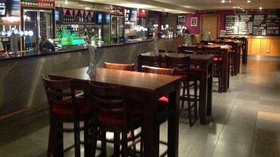 Lloyds No 1 - The Trafalgar: Top bar