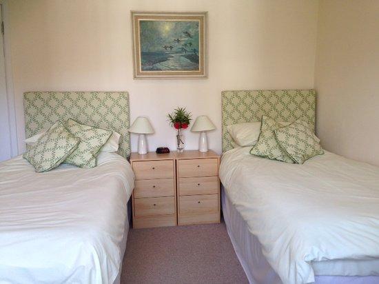 Lynwood House Bed & Breakfast: The Twin Room
