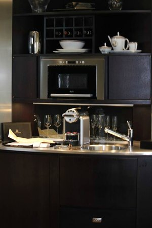 Domux Home Repubblica Luxury Apartment: Fully stocked kitchen