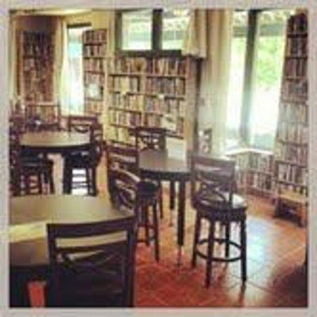 Midtown Scholar Bookstore: Internet Classroom