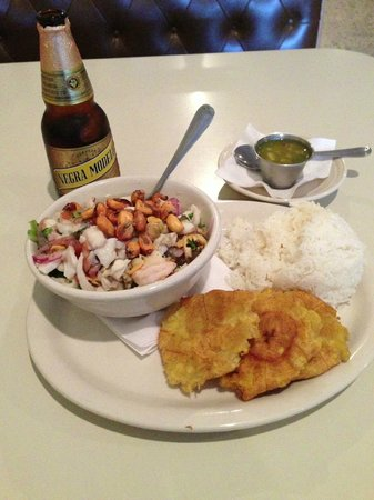 Mi Patria Ecuadorian Restaurant: Ceviche mixto with patacones (plantain fritters)