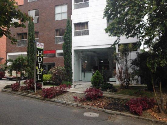 Las Rosas Hotel Boutique: Front of hotel