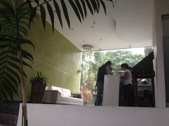 Las Rosas Hotel Boutique: Reception area