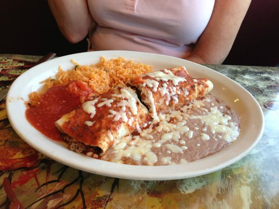 Mi Puebelito : Beef Enchilada with rice and Refried Beans