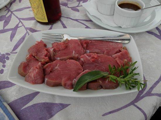Le Belle-Vue: Kalvkött i väntan på tillredningssten