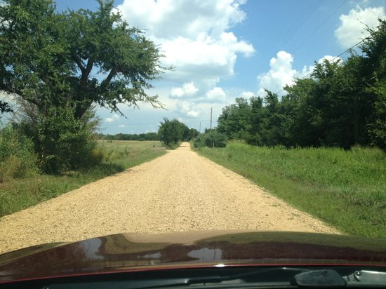 Honey Springs Battlefield: Roads are unpaved