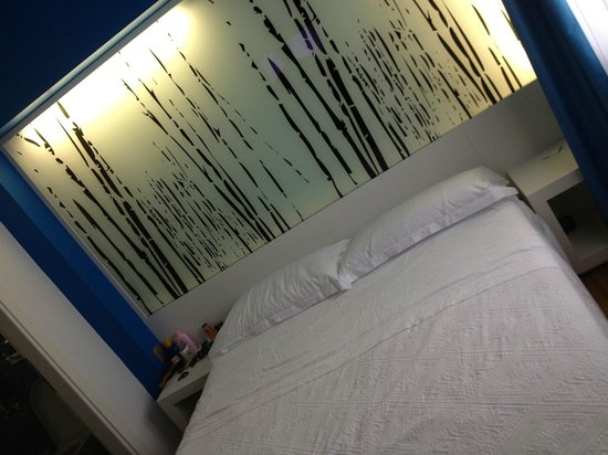 JC Contemporary Hotel: Bedroom