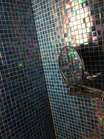 JC Hotel: Tiles