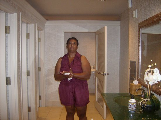 Wingate by Wyndham Atlanta/Buckhead : ME washing my hands.