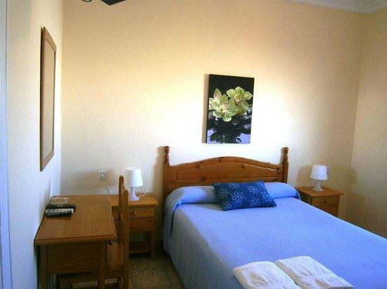 Hotel Sanvi : Habitación doble