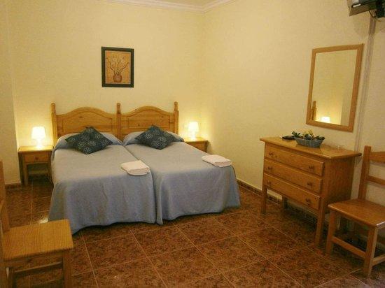 Hotel Sanvi : Habitación triple