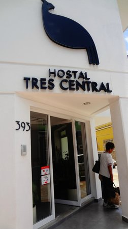 Hostal Tres Central: Entrada