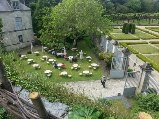 Monument Cafe Chateau d'Angers : terrasse du restaurant