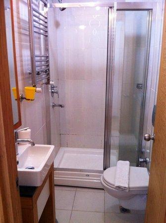 Gulhane Corner Hotel: bathroom