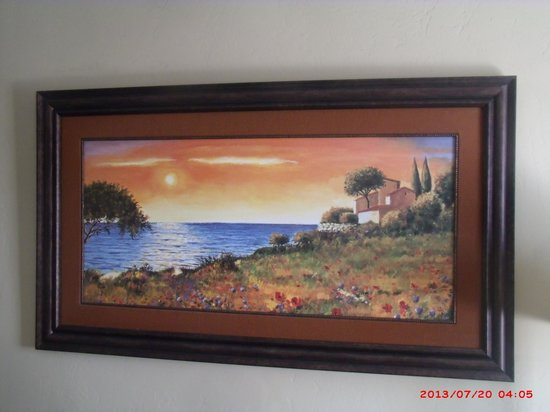 Brawley Inn Hotel & Conference Center : Beautiful pictures on the walls