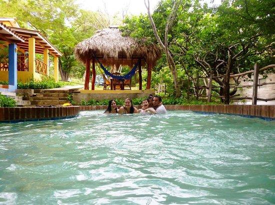 Parque Maritimo el Coco : en la piscina