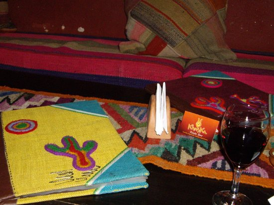 Khuska Resto Bar: menu y wine