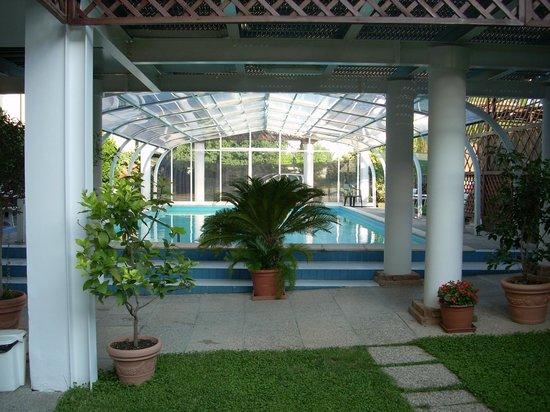 Hotel Terme Belvedere : Camminata verso la piscina