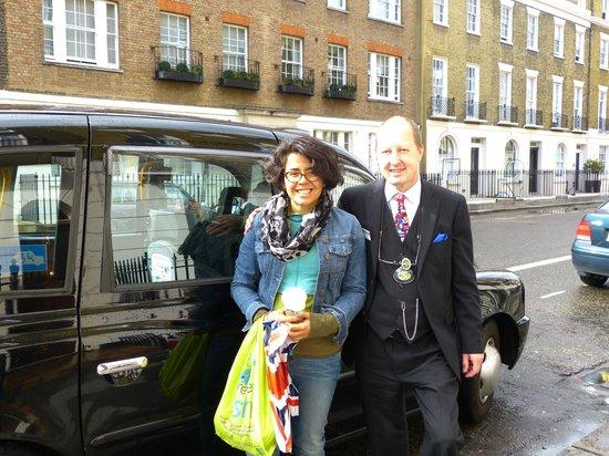 ลอนดอนแบล็กแท็กซี่ทัวร์ - ไพรเวททัวร์: another happy customer...with Michael