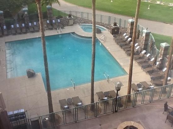 Embassy Suites by Hilton Phoenix-Scottsdale: The Pool