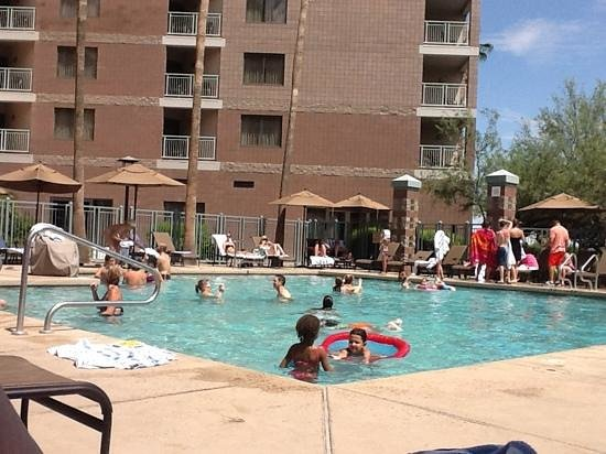 Embassy Suites by Hilton Phoenix-Scottsdale: Cool Pool