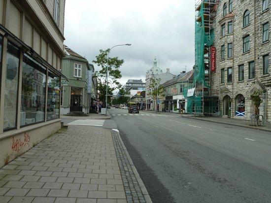 Thon Hotel Gildevangen : sondergate outside hotel