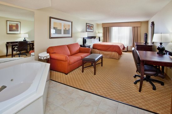 Country Inn & Suites By Radisson, Savannah Midtown: King Jacuzzi