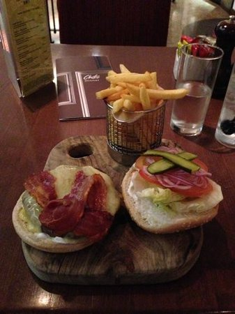 London Marriott Hotel Regents Park: The Marriott Burger
