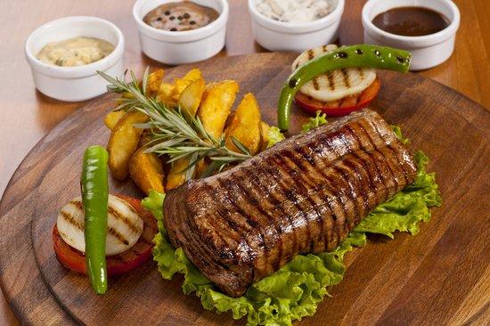 Fiesta Restaurant & Bar: Chateaubriand steak