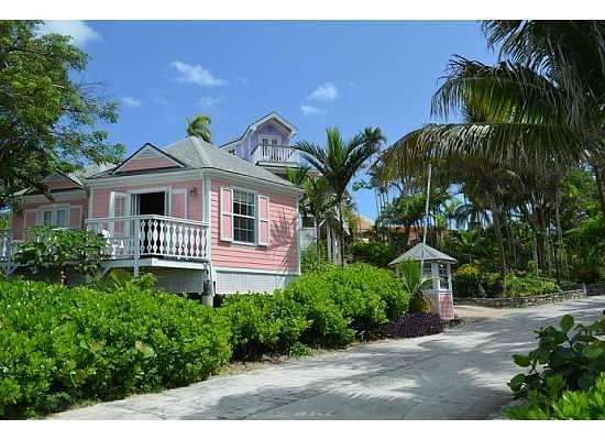 Orange Hill Beach Inn: front of cottage