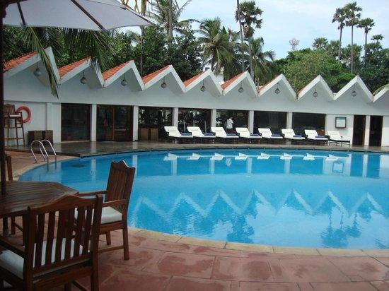 The Park Visakhapatnam: pool side