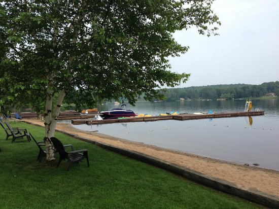 Bonnie View Inn: Lake front