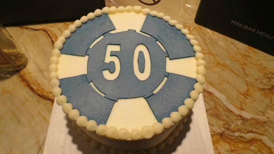 Retro Bakery: Dad's 50th Birthday Poker Chip Cake