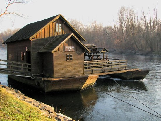 Hotel Ajda: The floating mill