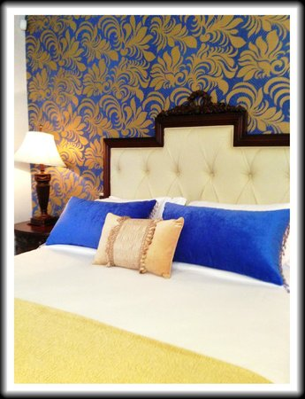 The Orchids Hotel: 5