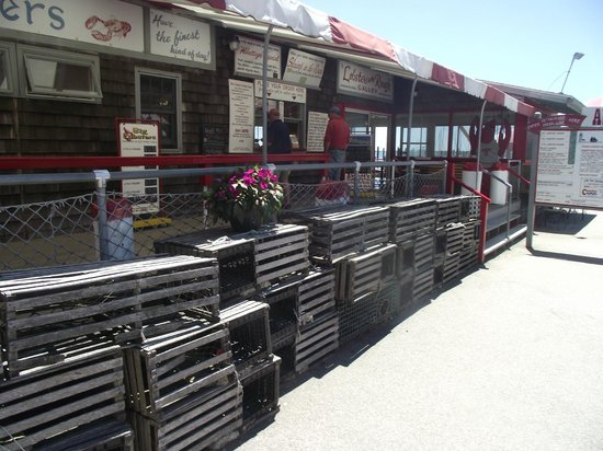 Abbott's Lobster In The Rough: entrance and ordering