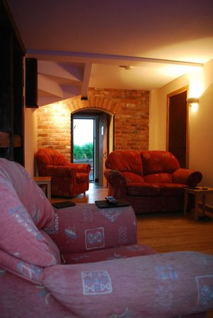 Graig Farm Cottages: Lounge in the evening, stable cottage