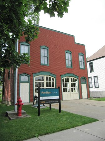 Lakeshore Museum Center: Front View