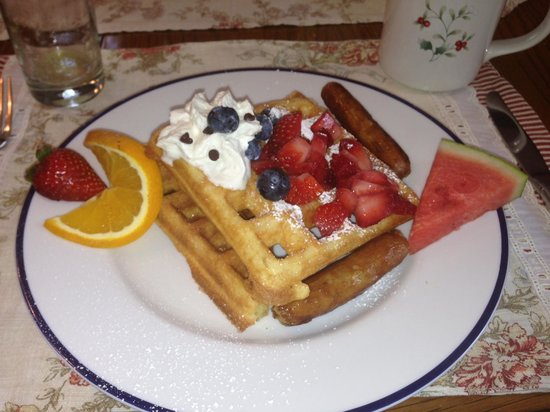 Waldo Emerson Inn Bed and Breakfast: One of the Inn's Delicious Breakfasts