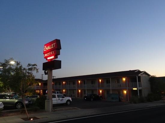 Chalet Motel: nice sweet motel