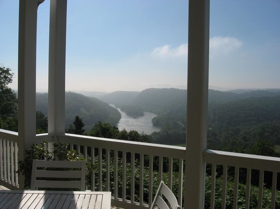 Inn at Riverbend: Great view
